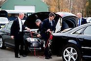 ENSCHEDE - De auto waarin Koningin Maxima wordt gereden heeft startproblemen tijdens De Digitale Wer