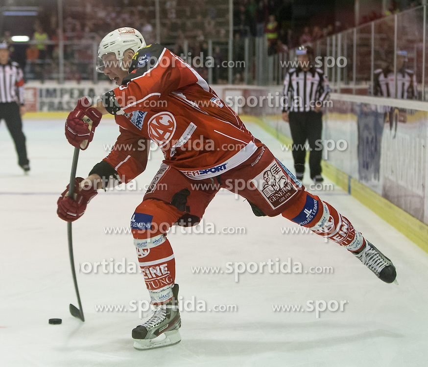 27.10.2013, Stadthalle, Klagenfurt, AUT, EBEL, EC KAC vs Vienna Capitals, 29. Runde, im Bild Mike Siklenka (Kac, Mike Siklenka (Kac, #23) // during the Erste Bank Icehockey League 29th Round match betweeen EC KAC and Vienna Capitals at the City Hall, Klagenfurt, Austria on 2013/10/27. EXPA Pictures © 2013, PhotoCredit: EXPA/ Gert Steinthaler