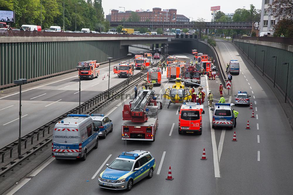 Berlin, Germany - 15.05.2017<br /> <br /> Heavy traffic accident on the Berlin city motorway A100. Near the exit Alboinstrasse collided two trucks and five cars.<br /> <br /> Schwerer Verkehrsunfall auf der Berliner Stadtautobahn A100. Nahe der Ausfahrt Alboinstrasse kollidierten zwei LKWs und fuenf PKWs.<br /> <br /> Photo: Bjoern Kietzmann