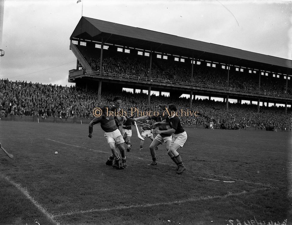 28/07/1957<br /> 07/28/1957<br /> 28 July 1957<br /> All-Ireland Senior Semi-Final: Tipperary v Galway at Croke Park, Dublin.