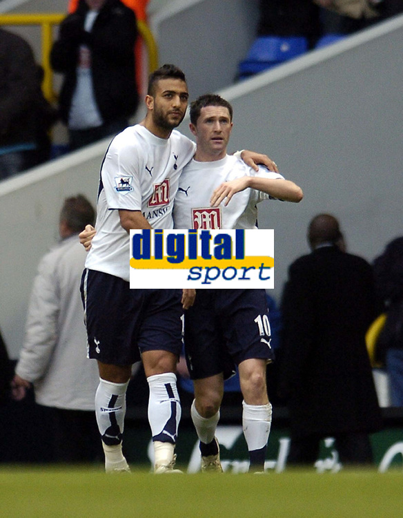 Photo: Olly Greenwood.<br />Tottenham Hotspur v Southend United. The FA Cup. 27/01/2007. Spurs' Robbie Keane celebrates scoring with Mido