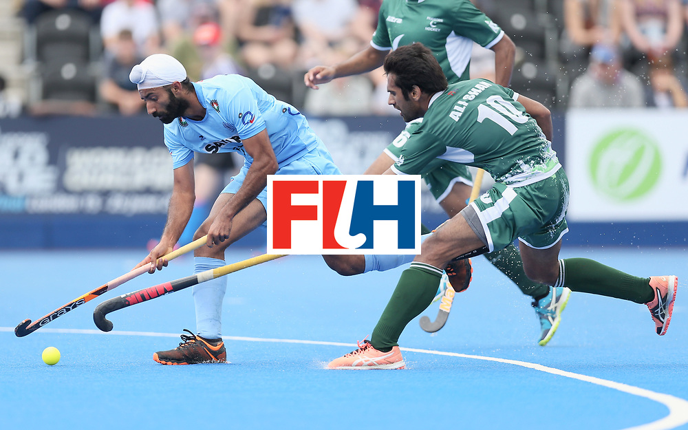 LONDON, ENGLAND - JUNE 24: Talwinder Singh of India and Ali Shan of Pakistan battle for possession  during the 5th-8th place match between Pakistan and India on day eight of the Hero Hockey World League Semi-Final at Lee Valley Hockey and Tennis Centre on June 24, 2017 in London, England. (Photo by Alex Morton/Getty Images)