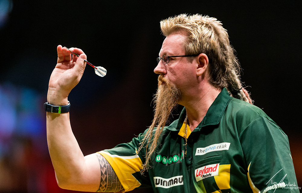 MELBOURNE, Australia - Sunday 20 August 2017: Simon Whitlock during the semi finals of the Unibet Melbourne Dart Masters at Hisense Arena on Sunday 20 August 2017.<br /> <br /> Photo Credit: Tim Murdoch/Tim Murdoch Photography