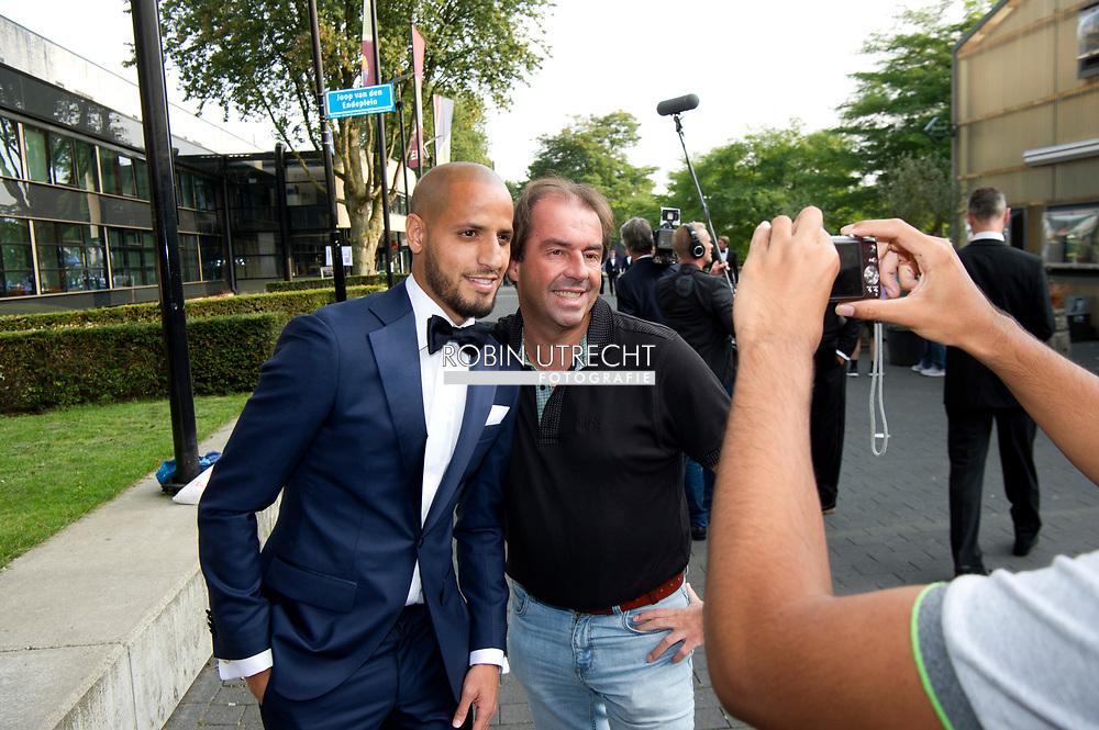 HILVERSUM <br /> karim El  Hamadi met familievoetballer van het jaar gala verkiezing , copyrght robin utrecht