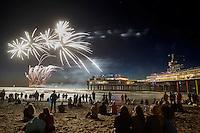 Scheveningen, 12 augustus 2016 - Het Vuurwerkfestival op het Scheveningse strand met uitzicht op de Pier.  Foto: Phil Nijhuis