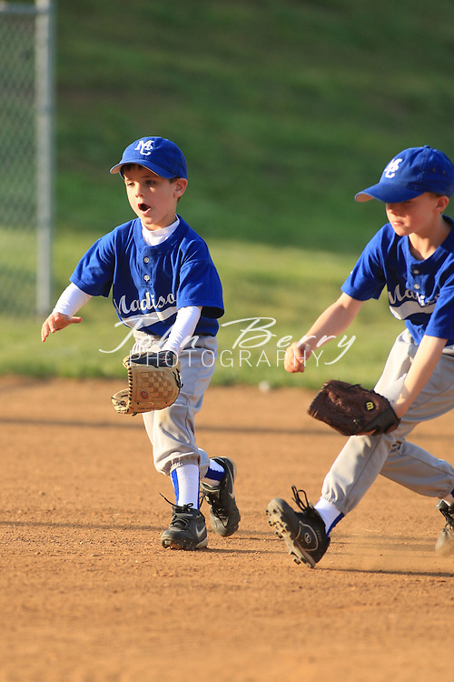 MPR Rookie League Baseball .Red vs Royal Game Action .5/2/2008..