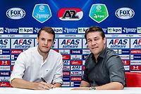 *Thomas Ouwejan* of AZ Alkmaar, Max Huiberts