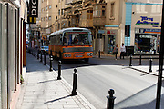 Photograph of a bus in Malta taken in 2012 in Valletta