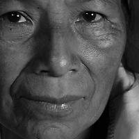 """Título: """"Doña Olga - Kokötei""""<br /> Técnica: Impresión digital en papel de algodón.<br /> Dimensiones: 20"""" x 30"""" pulgadas<br /> Precio $ 2,400.00 USD  **El 25% del precio va destinado a comunidades indígenas.<br /> Autor: Melanie L. Wells-Alvarado<br /> +(506) 8753-8231   www.melwellsphotography.com www.awindowintothesoul.com"""