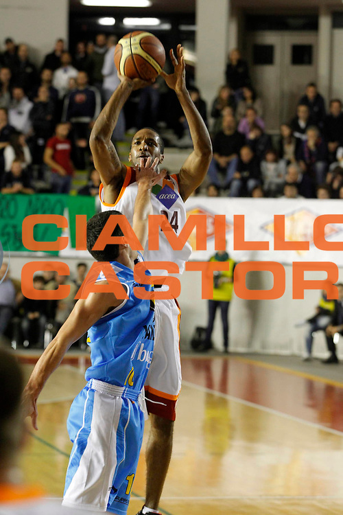 DESCRIZIONE : Roma Lega Basket A 2011-12 Acea Virtus Roma Vanoli Cremona<br /> <br /> GIOCATORE : Clay Tucker<br /> <br /> CATEGORIA : Tiro<br /> <br /> SQUADRA : Acea Virtus Roma<br /> <br /> EVENTO : Campionato Lega Basket A 2011-2012<br /> <br /> GARA : Acea Virtus Roma Vanoli Cremona<br /> <br /> DATA : 13/11/2011<br /> <br /> SPORT : Pallacanestro <br /> <br /> AUTORE : Agenzia Ciamillo-Castoria/ A.Ciucci<br /> <br /> Galleria : Lega Basket A 2011-2012 <br /> <br /> Fotonotizia : Lega Basket A 2011-12 Acea Virtus Roma Vanoli Cremona<br /> <br /> Predefinita :