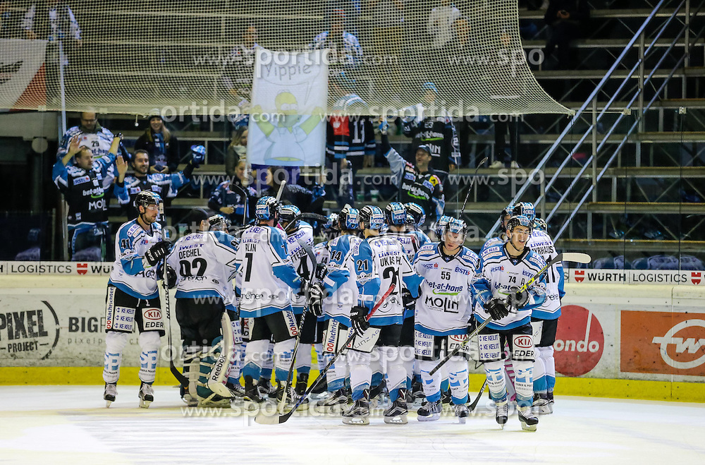 16.10.2015, Messestadion, Dornbirn, AUT, EBEL, Dornbirner Eishockey Club vs EHC Liwest Black Wings Linz, 12. Runde, im Bild Jubel bei EHC Liwest Black Wings Linz// during the Erste Bank Icehockey League 12th round match between Dornbirner Eishockey Club and EHC Liwest Black Wings Linz ers at the Messestadion in Dornbirn, Austria on 2015/10/16, EXPA Pictures © 2015, PhotoCredit: EXPA/ Peter Rinderer