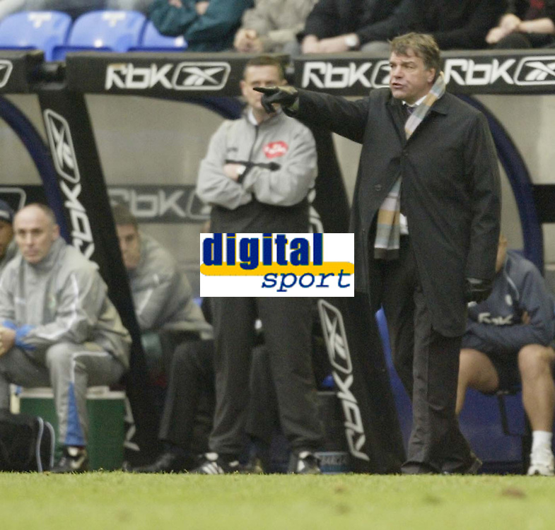 Photo: Aidan Ellis.<br /> Bolton Wanderers v Blackburn Rovers. The Barclays Premiership. 04/03/2007.<br /> Bolton manager Sam Allardyce gets a message across