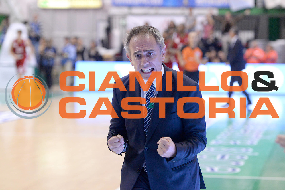 DESCRIZIONE : Siena Supercoppa Lega A 2013-14 Montepaschi Siena Cimberio Varese<br /> GIOCATORE : Marco Crespi<br /> CATEGORIA :  coach ritratto esultanza<br /> SQUADRA : Montepaschi Siena<br /> EVENTO : Campionato Lega A 2013-2014<br /> GARA : Montepaschi Siena Cimberio Varese<br /> DATA : 08/10/2013<br /> SPORT : Pallacanestro<br /> AUTORE : Agenzia Ciamillo-Castoria/C.De Massis<br /> Galleria : Lega Basket A 2013-2014<br /> Fotonotizia :  Siena Supercoppa Lega A 2013-14 Montepaschi Siena Cimberio Varese<br /> Predefinita :