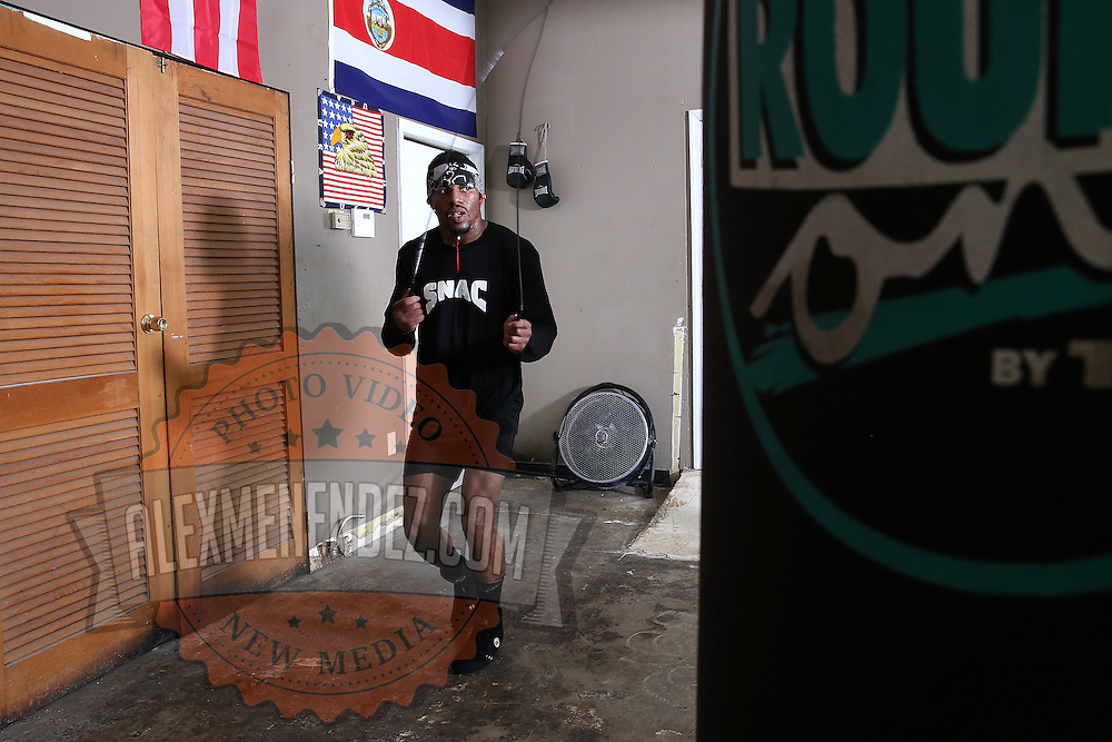 """WINTER HAVEN, FL - MAY 05: Boxer Willie Monroe Jr. jumps rope as he works out at the Winter Haven Boxing Gym on May 5, 2015 in Winter Haven, Florida. Monroe will challenge middleweight world champion Gennady """"GGG"""" Golovkin for the WBA world championship title in Los Angeles on May 16.  (Photo by Alex Menendez/Getty Images) *** Local Caption *** Willie Monroe Jr."""