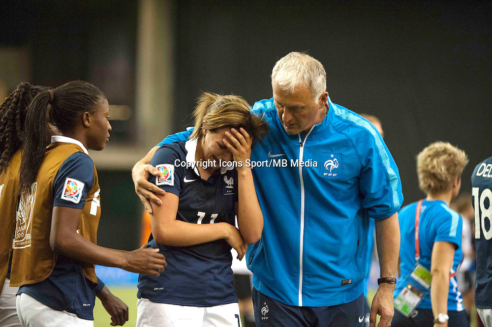 Deception France - Claire LAVOGEZ / Philippe BERGEROO - 26.06.2015 - Allemagne / France - 1/4Finale Coupe du Monde 2015 -Montreal<br />