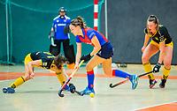 AMSTERDAM  - Carmel Bosch voor SCHC in de zaal tijdens het starttoernooi zaalhockey in Sporthallen Zuid.    COPYRIGHT KOEN SUYK