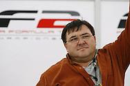 MISTRZOSTAWA F2 NA TORZE BRANDS HATCH W WIELKIEJ BRYTANII - RUNDA 11 I 12 - 16-18/7/2010 - ANGLIA.ENGLAND - BRANDS  HATCH - FIA FORMULA 2  CHAMPIONSHIP - ROUNDS 11/12 - 16-18/7/2010 - WIELKA BRYTANIA..PIATKOWA SESJA TRENINGOWA - WITEK KOWALSKI OJCIEC NATALII..FOTO MICHAL ZEMANEK/NEWSPIX.PL.---.Newspix.pl.---.Newspix.pl