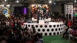 O capitão da seleção vencedora da Copa de 1970, no México, Carlos Alberto Torres e o capitão do time tetracampeão Dunga durante o Seminário Futebol do Futuro, realização de Santander e Grupo RBS, realizado em Porto Alegre com especialistas e personalidades de renome nacional e internacional da área esportiva. FOTO: Jefferson Bernardes/ Agência Preview