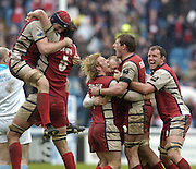 Twickenham, ENGLAND,  Gloucester, celebrate, on the final whistle, after winning the European Challenge Cup, beating  London Irish,  36 point  to 34 at the Twickenham Stoop, 21.05.2006. © Peter Spurrier/Intersport-images.com,  / Mobile +44 [0] 7973 819 551 / email images@intersport-images.com.   [Mandatory Credit, Peter Spurier/ Intersport Images].