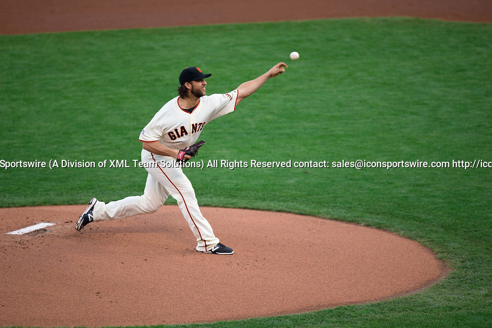 October 16, 2014: San Francisco Giants starting pitcher Madison Bumgarner (40) pitching in the first inning, during game 5 of the National League Conference Series between the San Francisco Giants and the St. Louis Cardinals at AT&T Park in San Francisco, California, USA. The San Francisco Giants defeated the St. Louis Cardinals 6-3 and won the National League Conference Series four games to one.