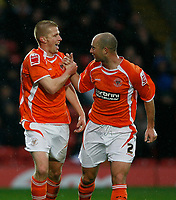 Photo: Richard Lane/Richard Lane Photography. Watford v Blackpool. Coca Cola Championship. 01/11/2008. Keith Southern (L) and Danny Coid (R) celebrate