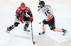 27.09.2015, Tiroler Wasserkraft Arena, Innsbruck, AUT, EBEL, HC TWK Innsbruck Die Haie vs Dornbirner Eishockey Club, 6. Runde, im Bild vl.: Nick Schaus (HC TWK Innsbruck Die Haie), Christopher D'Alvise (Dornbirner Eishockey Club) // during the Erste Bank Icehockey League 6th round match between HC TWK Innsbruck Die Haie and Dornbirner Eishockey Club at the Tiroler Wasserkraft Arena in Innsbruck, Austria on 2015/09/27. EXPA Pictures © 2015, PhotoCredit: EXPA/ Jakob Gruber