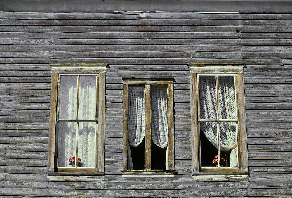 Pictures Of Windows With Curtains