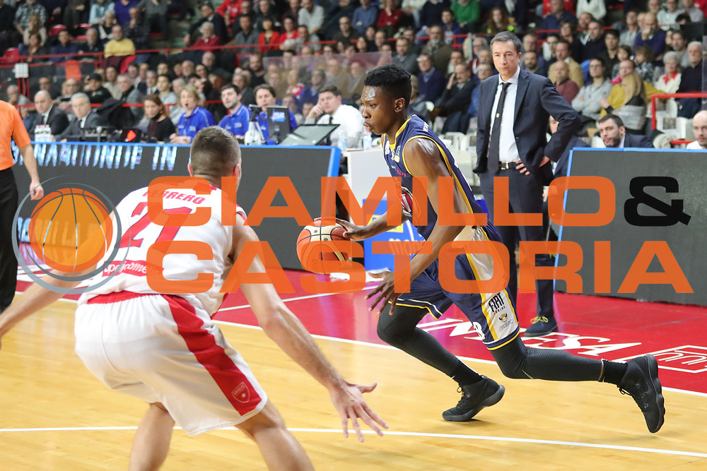 Okeke David Albright<br /> Openjobmetis Varese - Fiat Torino<br /> Lega Basket Serie A 2017/2018<br /> Varese, 14/01/2018<br /> Foto Ciamillo - Castoria