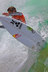 HUNTINGTON BEACH, California/USA (Sunday, July 31, 2011) Evan Geiselman rips a wave during heat1 round 8 at the Hurley US Open of Surfing. Photo: Eduardo E. Silva.