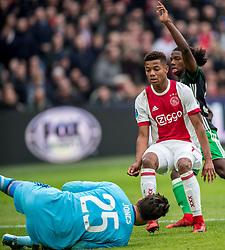 21-01-2018 NED: AFC Ajax - Feyenoord, Amsterdam<br /> Ajax was met 2-0 te sterk voor Feyenoord / David Neres #7 of AFC Ajax, Brad Jones #25 of Feyenoord