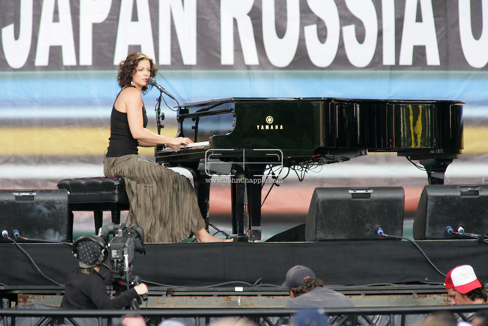2nd July 2005, Philadelphia, PA. The USA Live 8 concert held in the city of Philadelphia. Pictured onstage is Canadian singer/songwriter Sarah McLachlan.  PHOTO © JOHN CHAPPLE IN THE BIG APPLE. Tel (001) 212 397 7287.www.chapple.biz