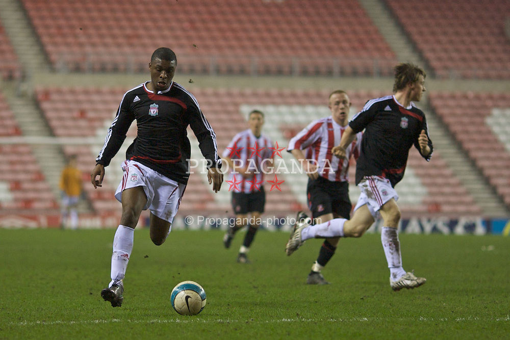 SUNDERLAND, ENGLAND - Wednesday, February 13, 2008: Liverpool's David Amoo in action against Sunderland during the FA Youth Cup 5th Round match at the Stadium of Light. (Photo by David Rawcliffe/Propaganda)