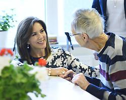 May 30, 2017 - Stockholm, Sweden - Crown princess Mary..Official visit from Denmark, Visit at Aleris Care Home, Fisksätra, 2017-05-30..(c) Karin Törnblom / IBL....Officiellt besök frÃ¥n Kronprinsparet av Danmark, besök pÃ¥ Aleris äldreboende, Fisksätra, 2017-05-30 (Credit Image: © Karin TöRnblom/IBL via ZUMA Press)