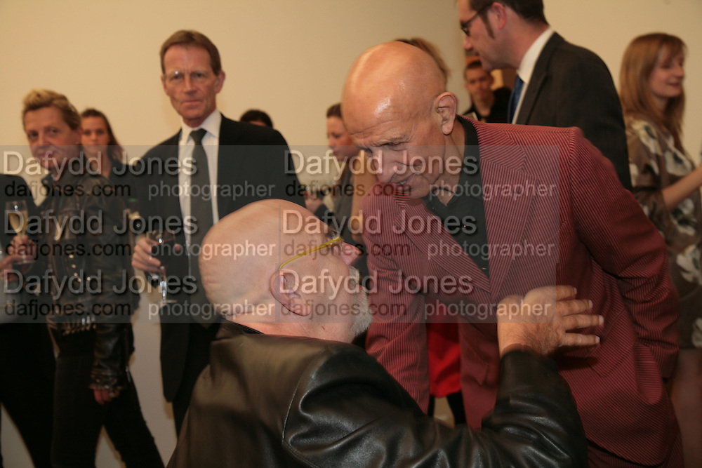 Nicholas Serota , Chuck Close and Alex Katz, Alex Katz 'One Flight Up' at the new Timothy Taylor Gallery , 15 Carlos Place. London. 11 October 2007. -DO NOT ARCHIVE-© Copyright Photograph by Dafydd Jones. 248 Clapham Rd. London SW9 0PZ. Tel 0207 820 0771. www.dafjones.com.