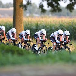 31-08-2016: Wielrennen: Ladies Tour: Gennep  <br />GENNEP (NED) wielrennenIn Gennep werd een ploegtijdrit verreden, Boels-Dolmans  reed met ene gemiddelde van ruim 52 km/h naar de winst. Rabobank-Liv werd derde