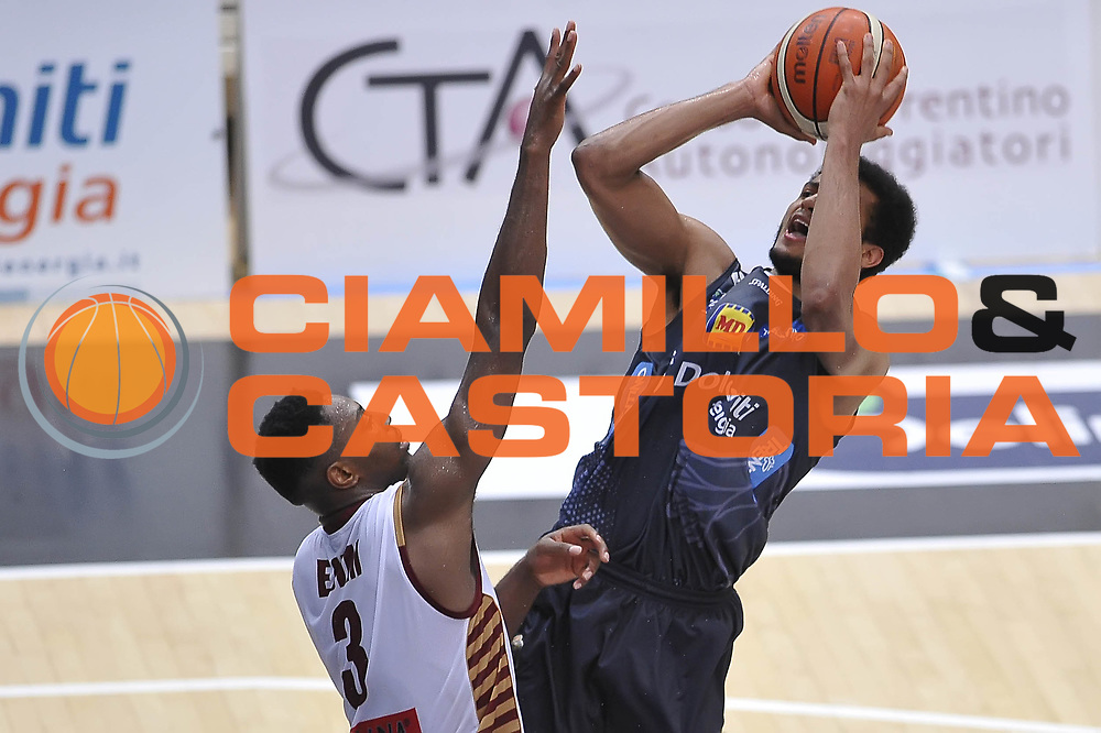 Shavon Shields<br /> Dolomiti Energia Aquila Basket Trento - Umana Reyer Venezia<br /> Playoff Gara 3<br /> Lega Basket 2016/2017<br /> Trento 14/06/2017<br /> Foto Ciamillo-Castoria