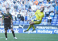 Photo: Steve Bond/Richard Lane Photography. Reading v Watford. Coca Cola Championship. 26/09/2009. Danny Graham looks as Adam Federici cannot reach his looping header