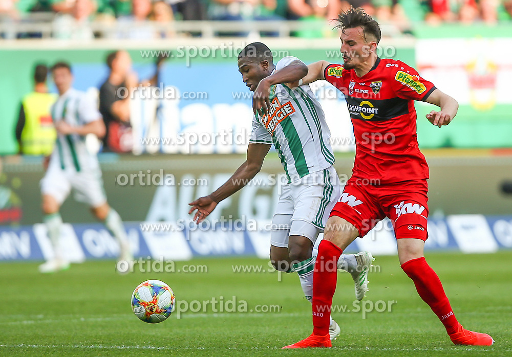 25.05.2019, Allianz Stadion, Wien, AUT, 1. FBL, SK Rapid Wien vs Cashpoint SCR Altach, Qualifikationsgruppe, 32. Spieltag, im Bild v.l. Kelvin Arase (SK Rapid Wien) und Mergim Berisha (Cashpoint SCR Altach) // during the tipico Bundesliga qualification group 32nd round match between SK Rapid Wien and Cashpoint SCR Altach at the Allianz Stadion in Wien, Austria on 2019/05/25. EXPA Pictures © 2019, PhotoCredit: EXPA/ Thomas Haumer