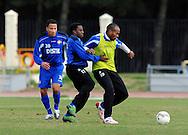 06-01-2009 Voetbal:Willem II:Trainingskamp:Torremolinos:Spanje<br /> Sergio Zijler verdedigt Ibad Muhamadu<br /> Foto: Geert van Erven