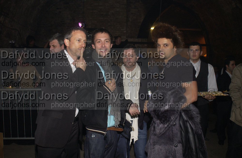 Patrick Cox, Dan Macmillan, Nellee Hooper and Gerry de Vaux, De Beers, Talisman launch party. The Shunt Vaults, 20 Stainer Street, London, SE1, 28  November 2005. ONE TIME USE ONLY - DO NOT ARCHIVE  © Copyright Photograph by Dafydd Jones 66 Stockwell Park Rd. London SW9 0DA Tel 020 7733 0108 www.dafjones.com