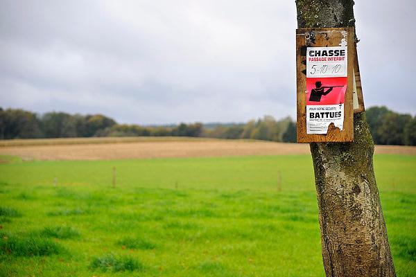Belgie, Arlon, 20-10-2010In de omgeving van deze stad in de Belgische Ardennen wordt gewaarschuwd voor een jachtpartij.Foto: Flip Franssen/Hollandse Hoogte