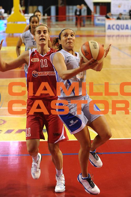 DESCRIZIONE : Perugia Lega A1 Femminile 2010-11 Coppa Italia Semifinale Officine Digitali Faenza Famila Schio<br /> GIOCATORE : Adriana Moises Pinto<br /> SQUADRA : Officine Digitali Faenza<br /> EVENTO : Campionato Lega A1 Femminile 2010-2011 <br /> GARA : Officine Digitali Faenza Famila Schio<br /> DATA : 12/03/2011 <br /> CATEGORIA : tiro<br /> SPORT : Pallacanestro <br /> AUTORE : Agenzia Ciamillo-Castoria/M.Marchi<br /> Galleria : Lega Basket Femminile 2010-2011 <br /> Fotonotizia : Perugia Lega A1 Femminile 2010-11 Coppa Italia Semifinale Officine Digitali Faenza Famila Schio<br /> Predefinita :