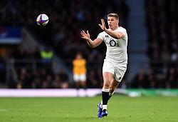 Owen Farrell of England receives the ball - Mandatory byline: Patrick Khachfe/JMP - 07966 386802 - 03/11/2018 - RUGBY UNION - Twickenham Stadium - London, England - England v South Africa - Quilter International