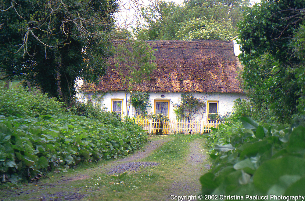 A thatched roof home in Ballyvaughan, Ireland in 2002, (Christina Paolucci, photographer)