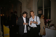 DANNY MOYNIHAN AND JULIAN SANDS, Opening of Photo-London, Burlington Gdns. London. 17 May 2006. ONE TIME USE ONLY - DO NOT ARCHIVE  © Copyright Photograph by Dafydd Jones 66 Stockwell Park Rd. London SW9 0DA Tel 020 7733 0108 www.dafjones.com