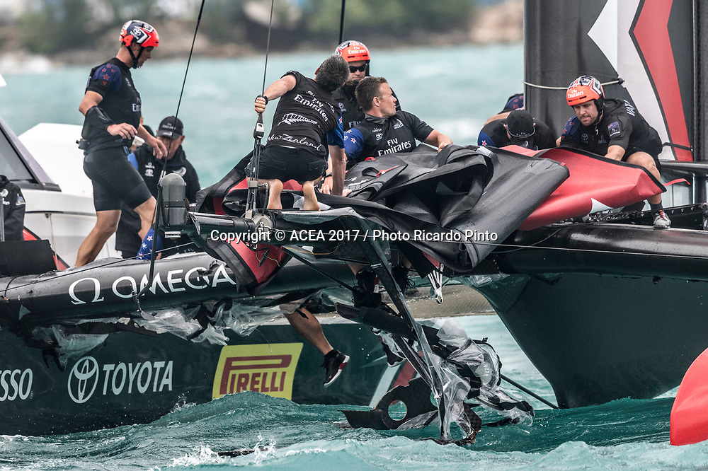 06/06/2017 - Bermuda (BDA) - 35th America's Cup Bermuda 2017 - Louis Vuitton America's Cup Playoffs Semi-Finals, Day 3  - Emirates Team New Zealand Capsize.<br /> Copyright photo: Ricardo Pinto/ACEA 2017<br /> For editorial news use only NO AGENTS