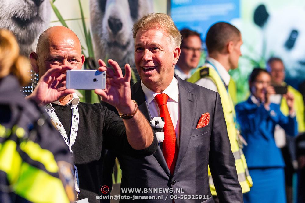 NLD/Amsterdam/20170412- Aankomst reuzenpanda's WU WEN en XING YA in Nederland, Marcel Boekhoorn