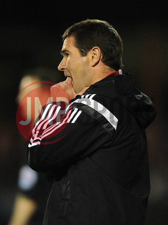 Sheffield United Manager, Nigel Clough cuts a frustrated figure - Photo mandatory by-line: Dougie Allward/JMP - Mobile: 07966 386802 - 11/05/2015 - SPORT - Football - Swindon - County Ground - Swindon Town v Sheffield United - Sky Bet League One - Play-Off
