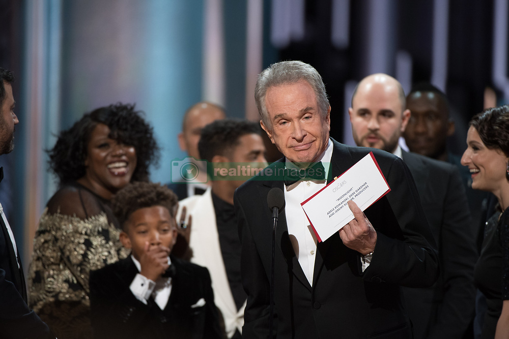 Feb 26, 2017 - Hollywood, California, U.S. - Presenter WARREN BEATTY onstage with a different envelope, after Moonlight had been correctly announced as the Best Picture winner during The 89th Oscars at the Dolby Theatre. (Credit Image: © AMPAS/ZUMAPRESS.com)