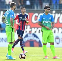 Mauro Icardi-Ever Banega delusione dejection<br /> Crotone 09-04-2017, Stadio Stadio Ezio Scida, Football Calcio 2016/2017 Serie A, Crotone - Inter, Foto Image Sport/Insidefoto